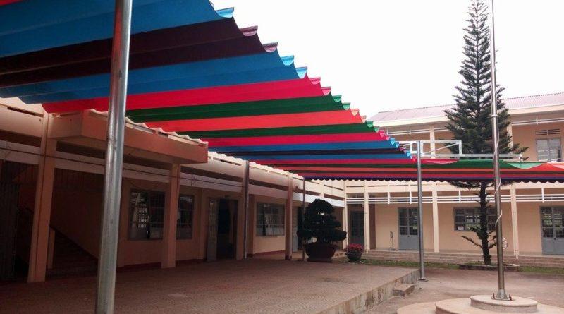 mái-che-trường-học